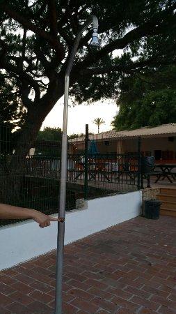 Balaia Plaza: Sin grifería las duchas