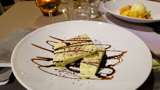 Camerino, Italia: 20160712_222505_large.jpg