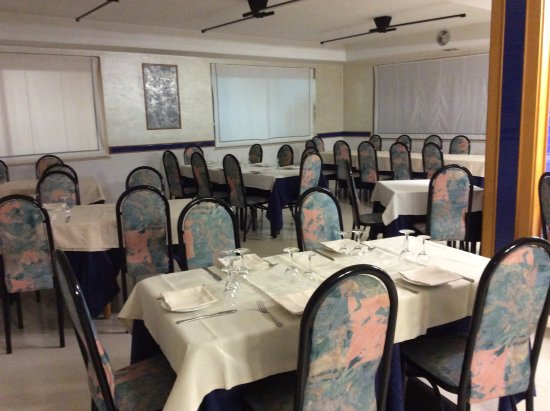 Orsogna, İtalya: Sala (160 persone)