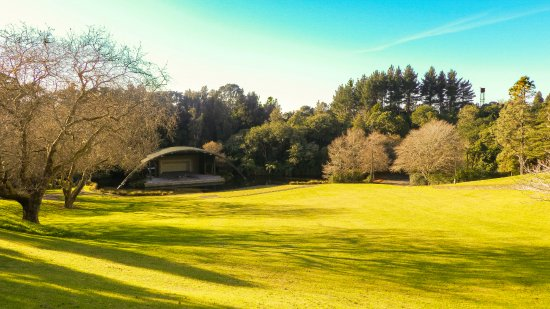 Parque Pukekura: Hold concerts here over the summer