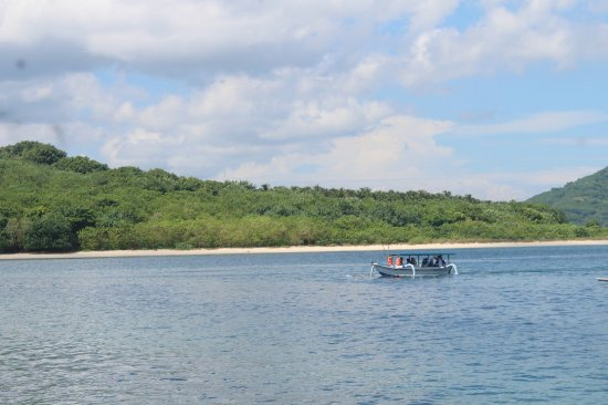 Gili Nanggu, Indonesien: Typically a white sandy beach, Nice place for sunbathing n snorkling