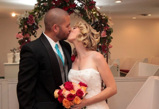 Cupids Wedding Chapel Husband And Wife