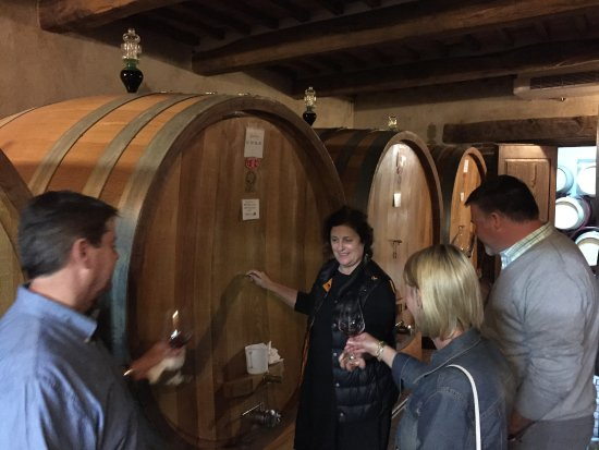 Montalcino, Ιταλία: Paula (winemaker's wife) and owner of Uccelliera.