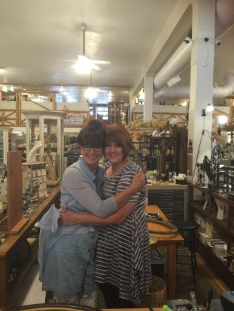 Great Falls, MT: Such a wonderful, packed full of treasures and friendly store. I will totally revisit !