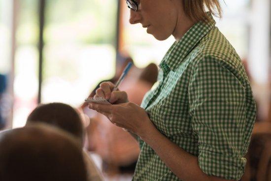 Medowie, Australia: Busy Lunch Service