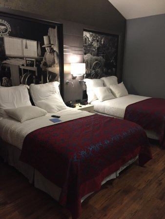 Super 8 Sturbridge: Newly renovated rooms