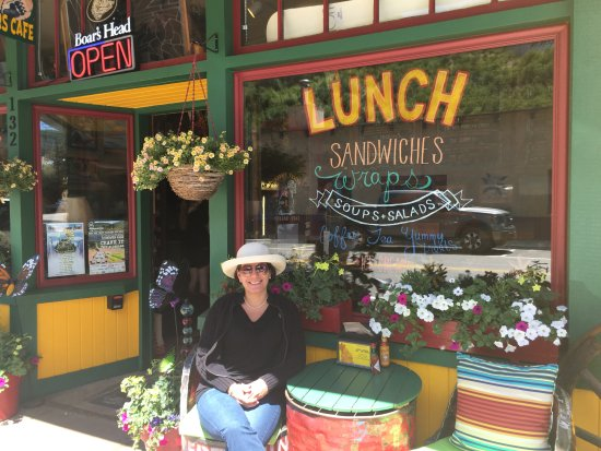 Minturn, CO: A beautiful Rocky Mt. day at the Sticky Fingers Cafe and Bakery