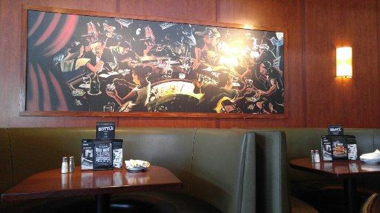 Bar Louie Bolingbrook