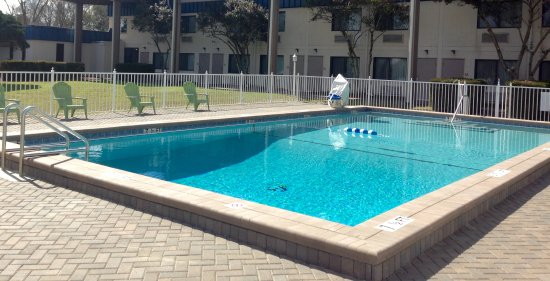 DeFuniak Springs, FL: Extra-Large, Newly Renovated Pool!