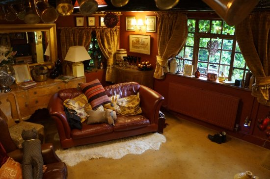 Wizards Thatch at Alderley Edge: Camelot Suite