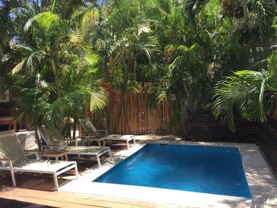 Hotel and Hostal El Punto: Pool
