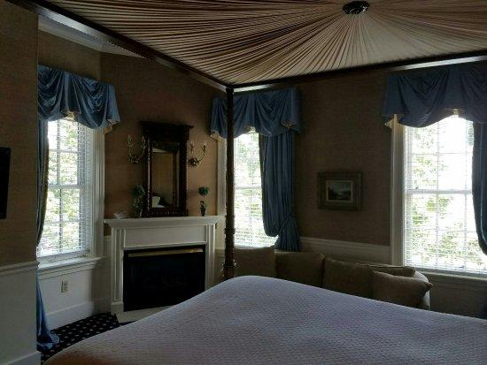 Sherwood Inn Picture