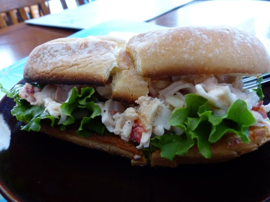 The Beandock: Seafood bunwich