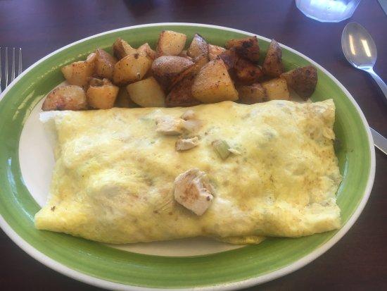 Chelmsford, MA: Fajita Chicken Omelet