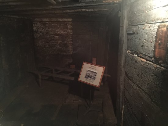 Barnstable Village's  Ghost Hunter's Tour