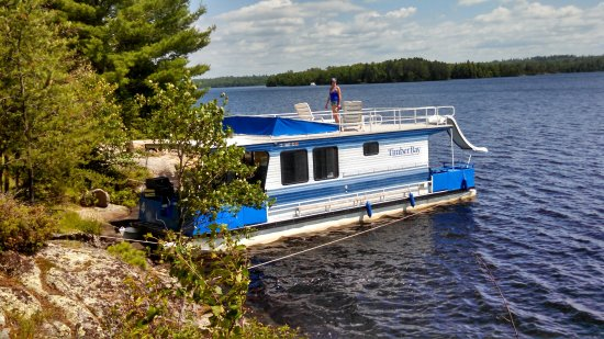 Babbitt, MN : Here's us on our houseboat vacation.