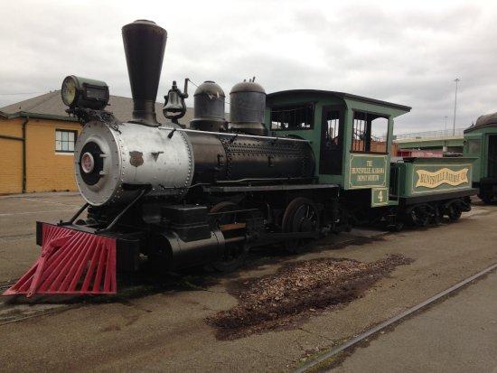 Huntsville Depot Museum: Wood-burning locomotive