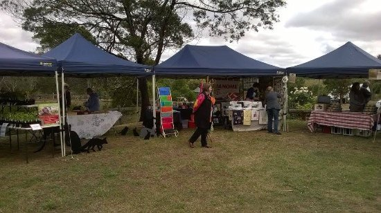 Hamilton, Austrália: Outside Stalls at the Hamiton Farmers Market