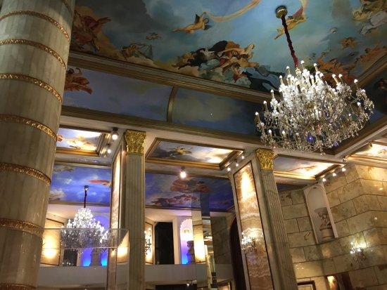 Hotel The Royal Plaza: Lobby