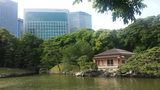 One of our tour course:Hama Rikyu Gardens - Picture of Chacha Trip ...