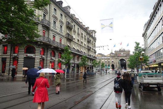 Bahnhofstre Start Facing Zurich Hauptbahnhol Hotel Schweizerhof
