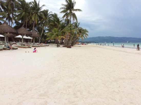 Friday's Boracay: White Beach