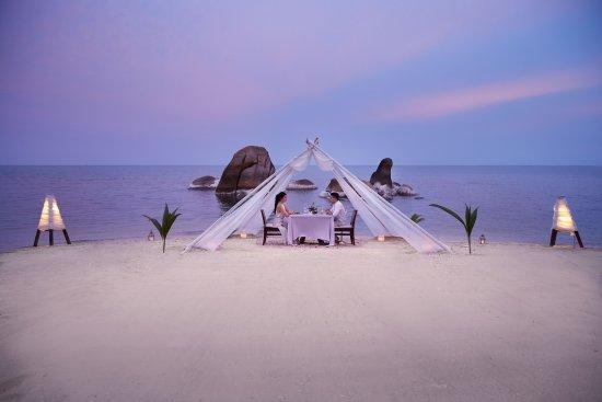 Silavadee Pool Spa Resort: Dinner on Beach