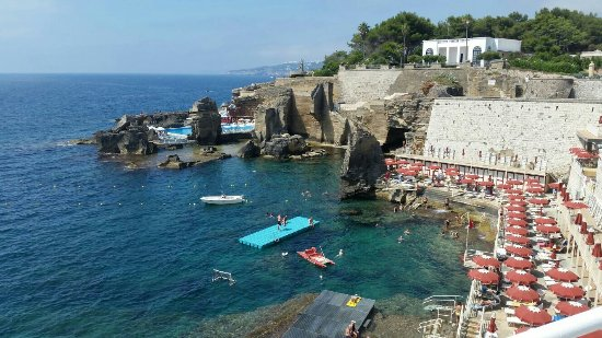 Scogliera fantastica foto di bagno marino archi santa - Bagno 19 santa cesarea terme ...