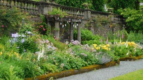 Rydal, UK: Beautiful gardens...
