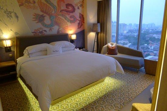 King Deluxe Suite Bedroom Picture Of Doubletree By Hilton Hotel Jakarta Diponegoro Tripadvisor