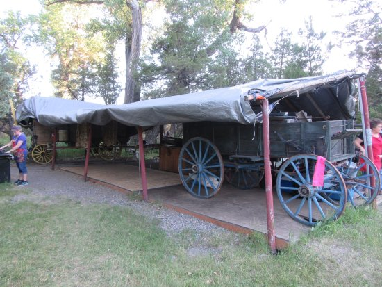 Pappy's Cowboy Cookout: Dinner wagons.