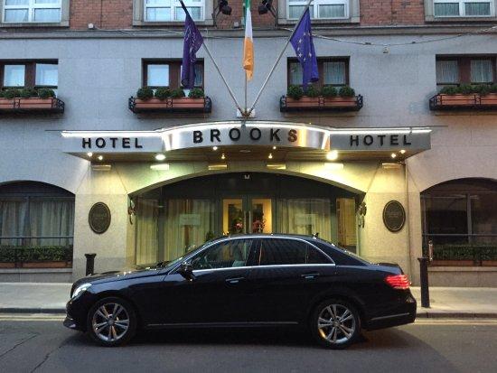 Mercedes E Class Sedan Limousine At Powerscourt Hotel