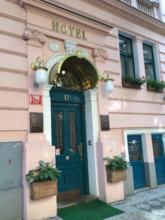 Entrée de Anna Hotel