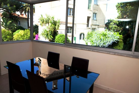 Villa Carnot: La loggia de la Suite 410
