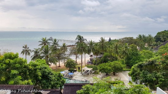 Turi Beach Resort: Panoramic view of the resort from 4th floor terrace