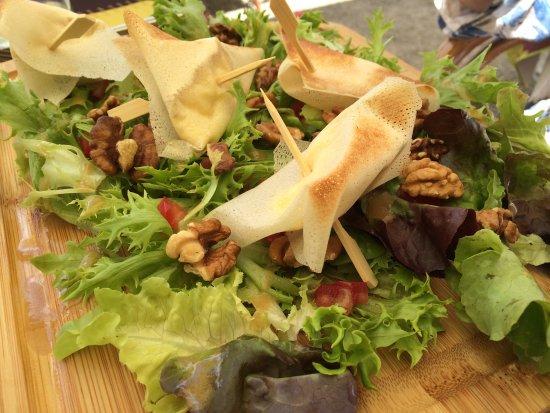 Valence-sur-Baise, France : salade gersoise