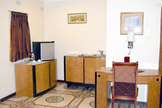 Kempton Park, Sydafrika: Most of our rooms are self catering