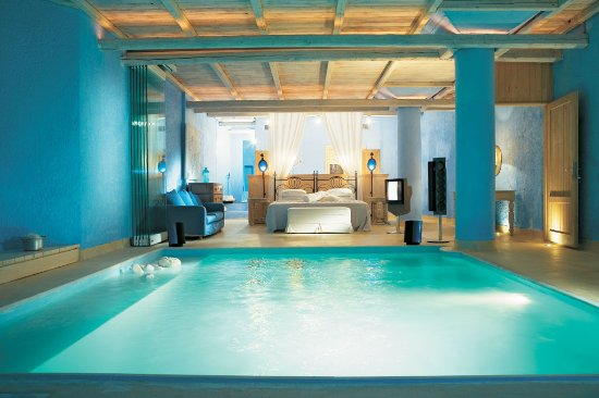 Psarou, Grecia: Experience the Ultimate Luxury