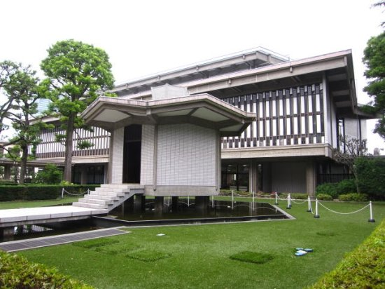乗泉寺 霊堂 - Picture of Josen...