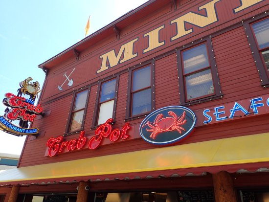 So good picture of the crab pot seafood restaurant for Fish restaurant seattle