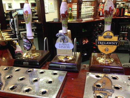 Lathom, UK: Good choice of beers...