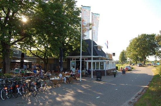 Heerlijk in 't groen! Landelijk gelegen aan het fietspad tussen Tilburg en Hilvarenbeek.