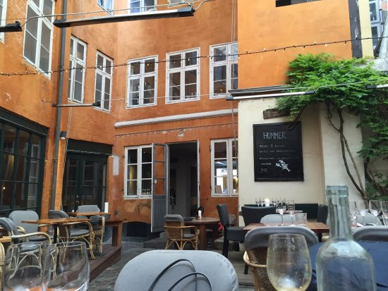 Restaurant Zeleste: Great location, nice waiters and excellent food.