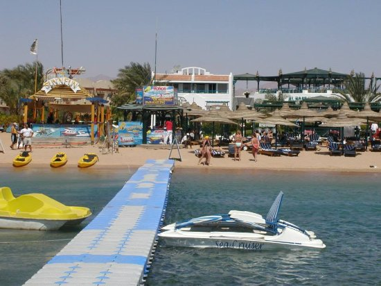 Al Bostan Hotel: حمام السباحه والشاطئ روعه