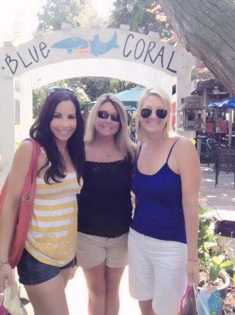 The Blue Coral : Girls Lunch and Shopping