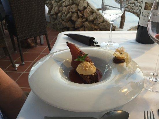 Pan y Vino : Dessert - poached pear