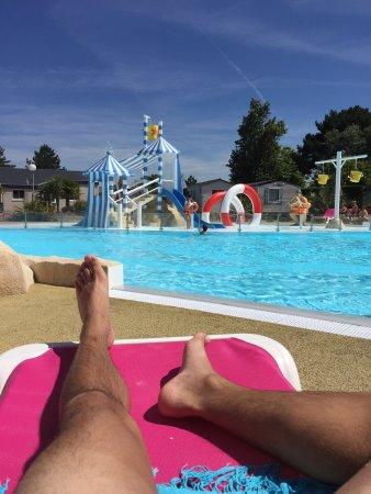 Piscine couverte et chauff e picture of airotel camping for Camping quiberon piscine couverte