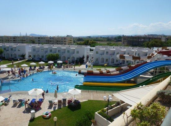 Louis Creta Princess Beach Hotel: La piscine aux toboggans