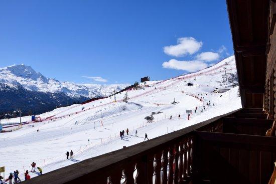 Hotel Salastrains: View