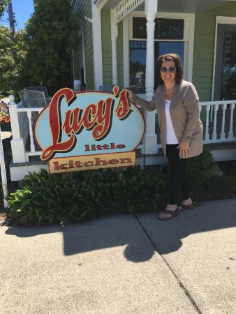 Saugatuck, MI: Lusia at Lucy's